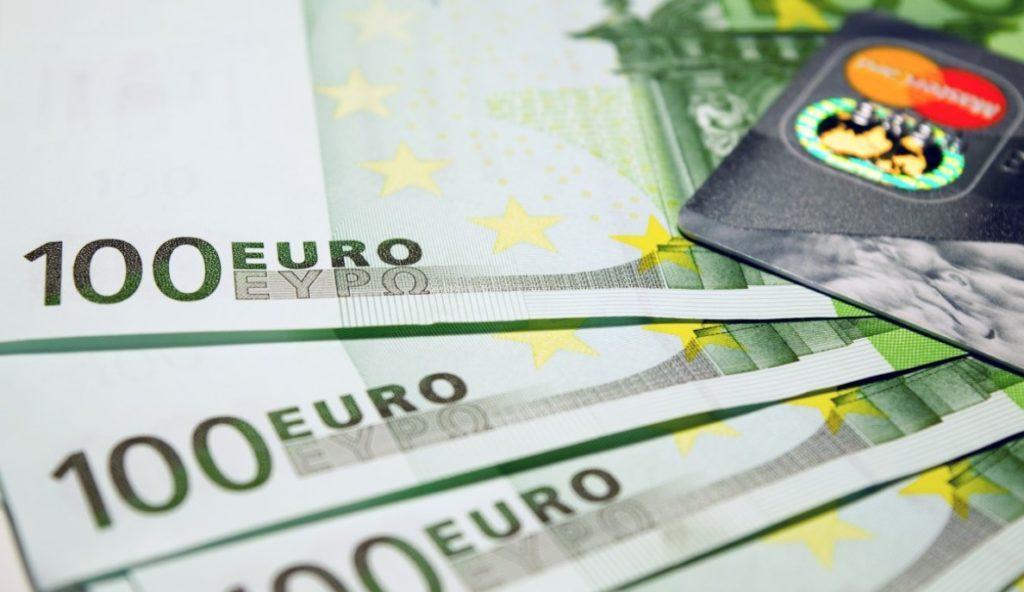 средняя зарплата в италии