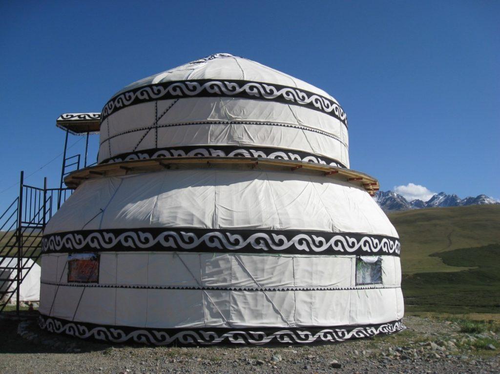 как живут в киргизии обычные люди