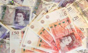 средняя зарплата в британии