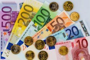 средняя зарплата в испании